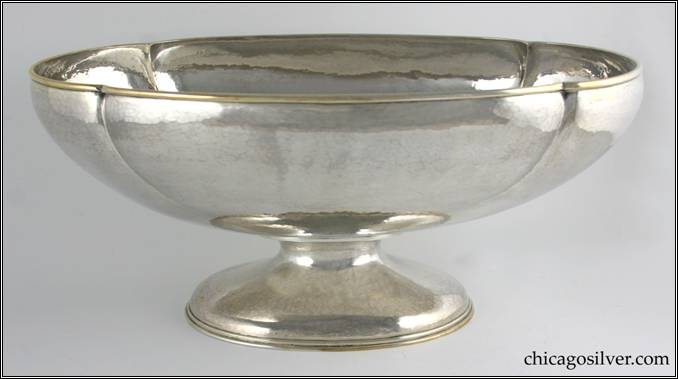 Kalo bowl, large, footed, fluted oval centerpiece with heavy wire on rim.