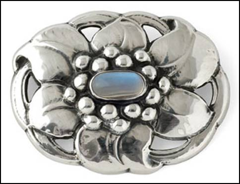 Kalo brooch with flower and moonstone